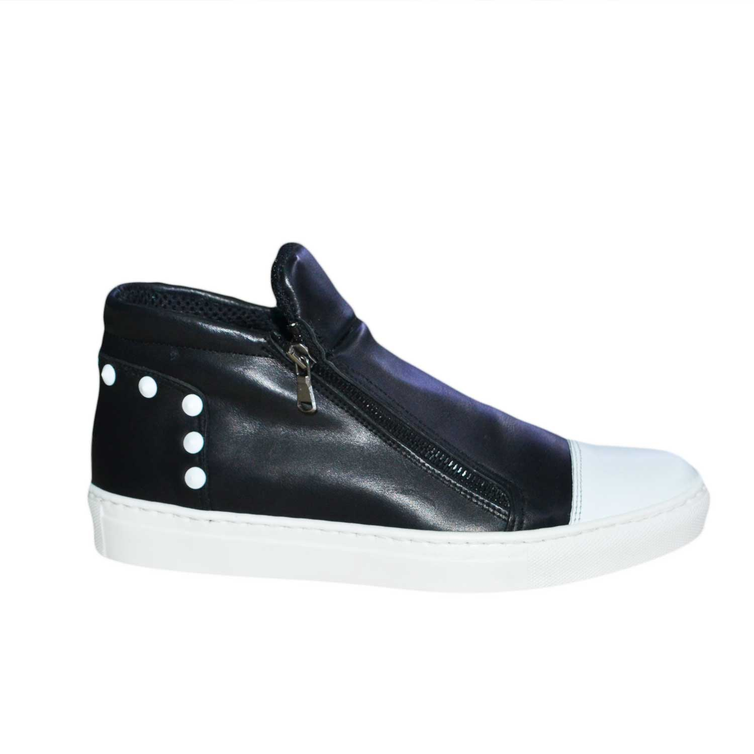 Sneakers bassa vera pelle due zip senza lacci made in italy borchie.