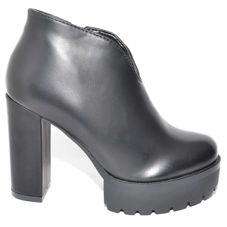 separation shoes f408b 33dc6 TRONCHETTO BEATLES NERO CON PLATEAU E TACCO LARGO CON SCOLLO A V LINEA  BASIC donna tronchetti Malu Shoes | MaluShoes