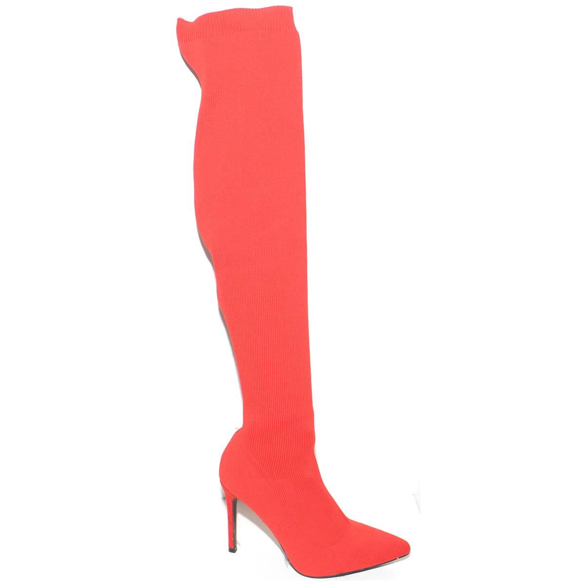 stivali alti con tacco rossi