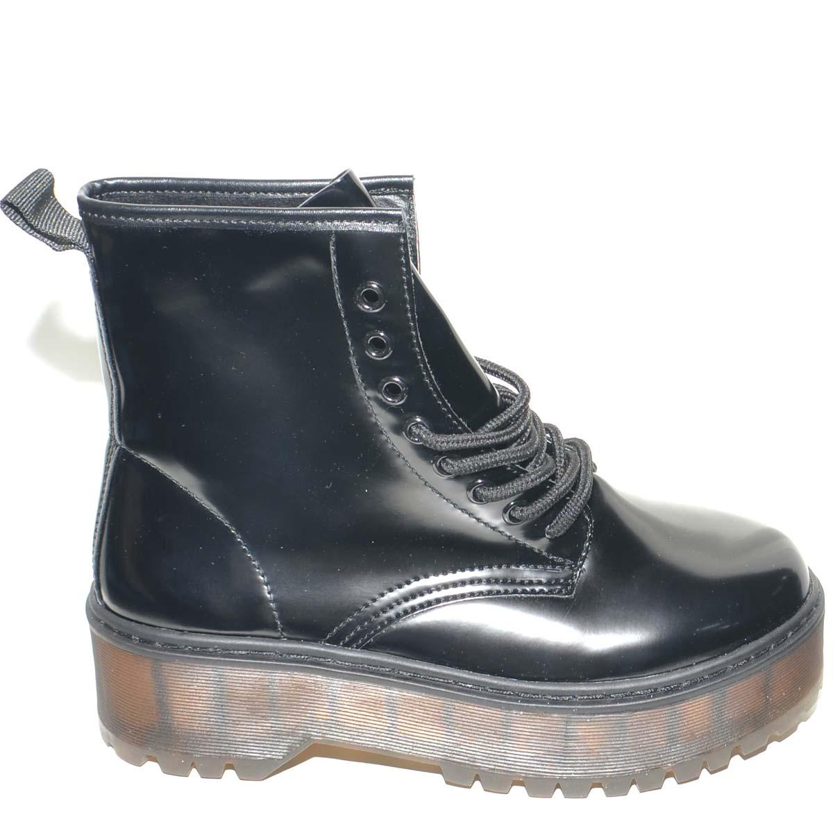 Stivaletto anfibio nero lucido da donna con gomma alta mertens trendy moda tendenza chiusura zip donna anfibi Malu Shoes | MaluShoes