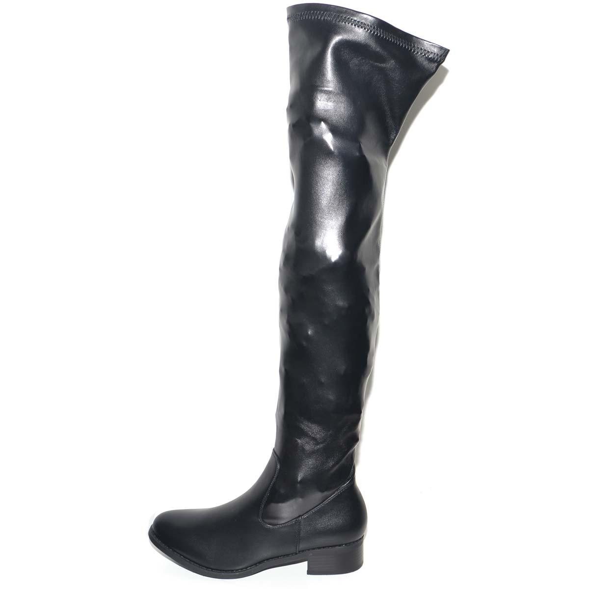 Stivali al ginocchio in ecopelle con tacco neri
