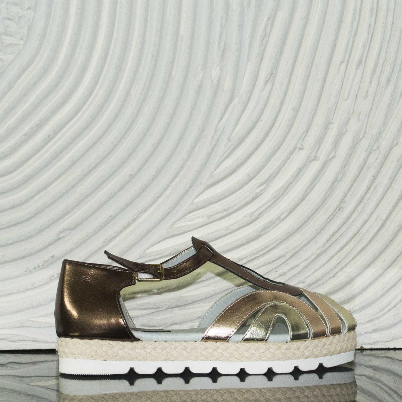 Scarpe donna basse cinturino fondo comfort bronzo laminato donna sandali bassi ragnetto Malu Shoes | MaluShoes
