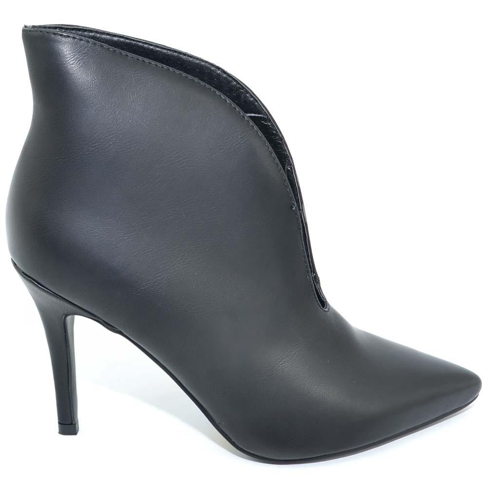 new product 6aabe f9bce Tronchetto donna nero in pelle con scollo a V sull'avampiede e tacco a  spillo 12 linea luxury donna tronchetti Malu Shoes | MaluShoes