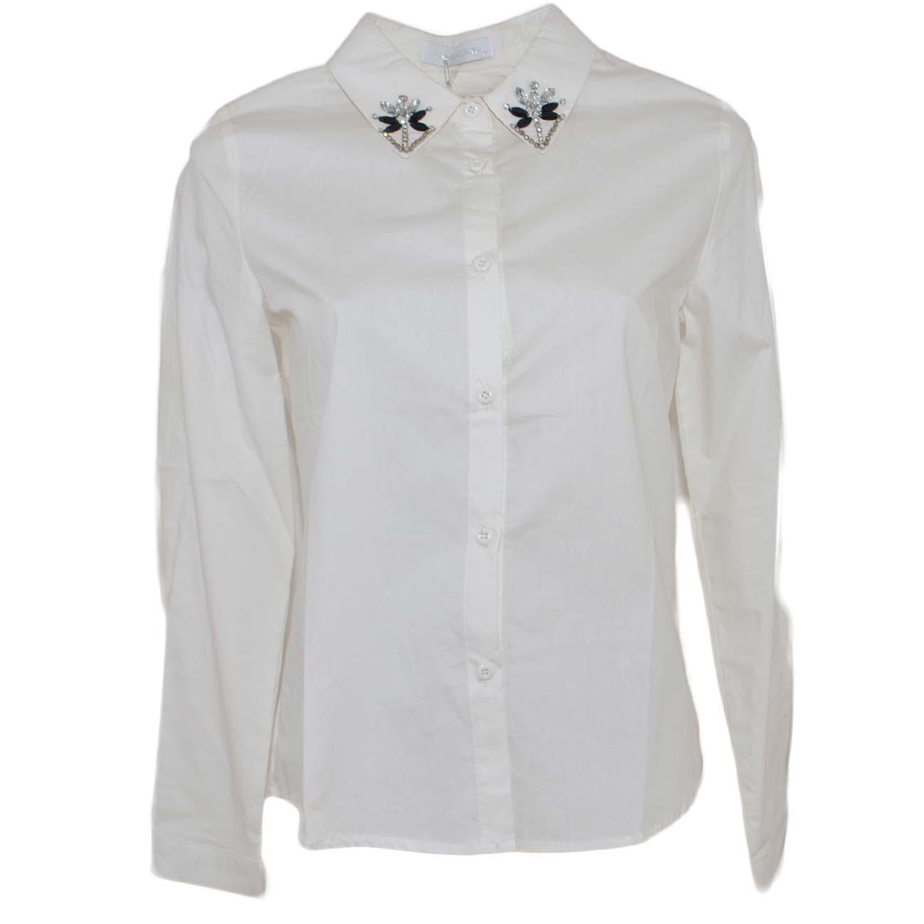 019c69ae34 Camicia donna bianca in cotone classica con applicazioni e strass su  colletto abbottonatura basic maschile moda donna camicie Malu Shoes |  MaluShoes