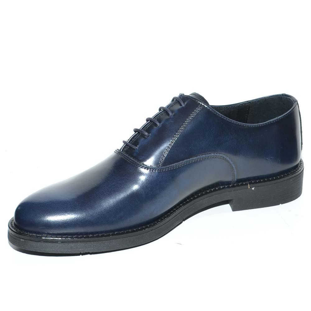 b56613bfbb4bd Scarpa stringata uomo liscia blu in vera pelle abrasivata con fondo gomma  ultrasottile businessman handmade in italy uomo stringate Malu Shoes