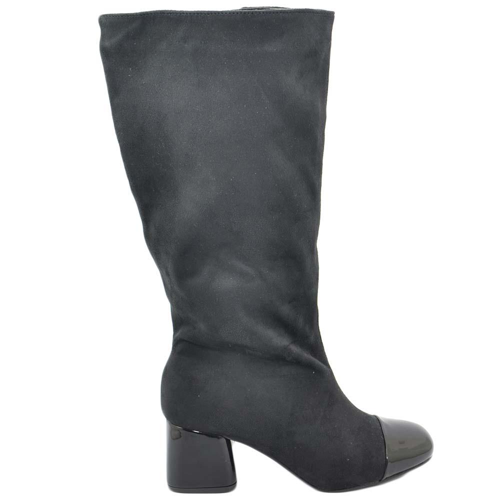 Dettagli su Stivale donna nero n camoscio sotto ginocchio con punta lucida e tacco basso lin