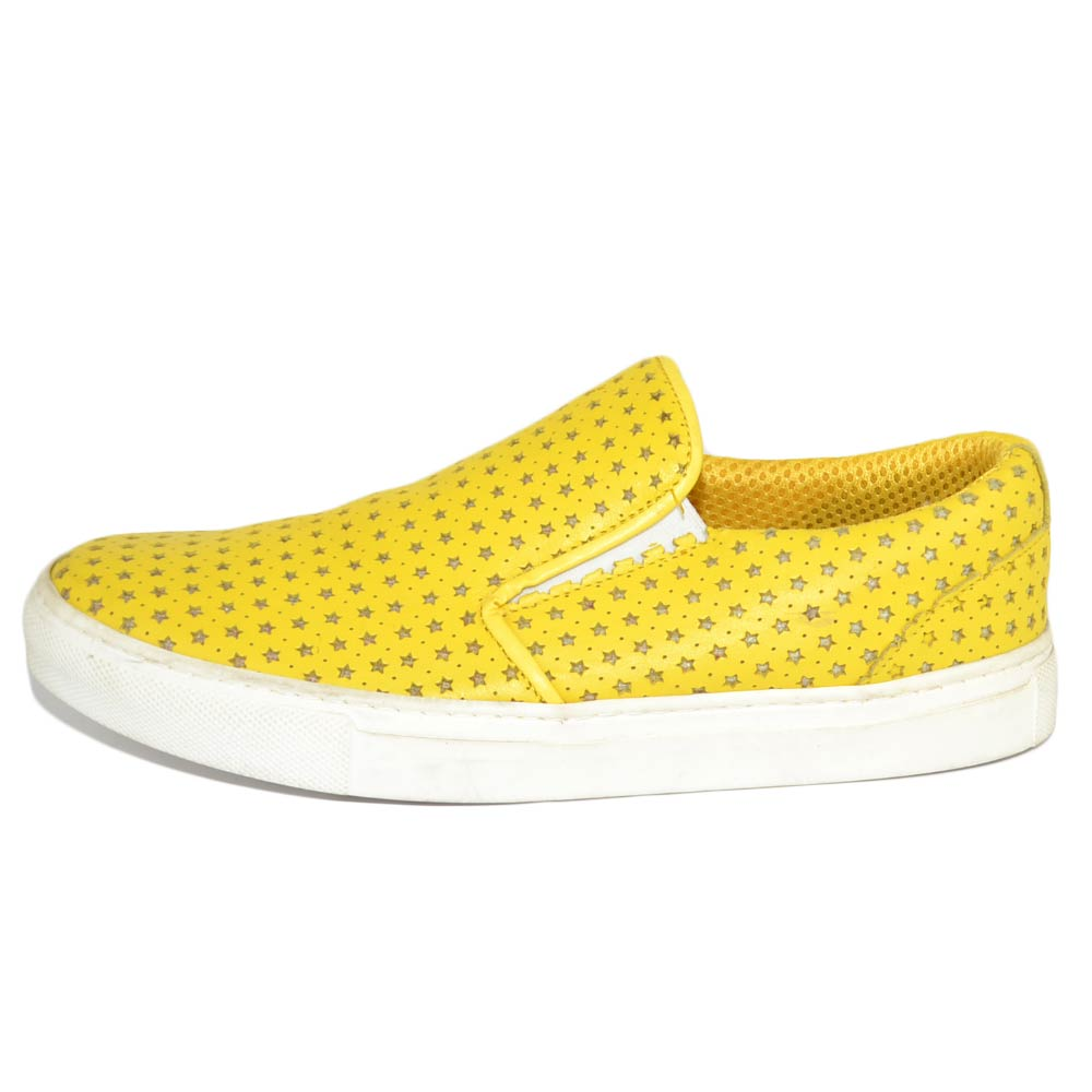 Mocassino slip on donna giallo con stelle elastico laterale fondo bianco comfort made in Italy vera pelle.